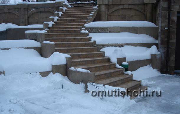 Как убрать лёд на ступеньках
